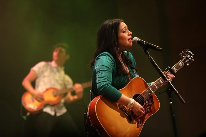 Photo recap: Carla Morrison and Daniel de Jesus at World Cafe Live